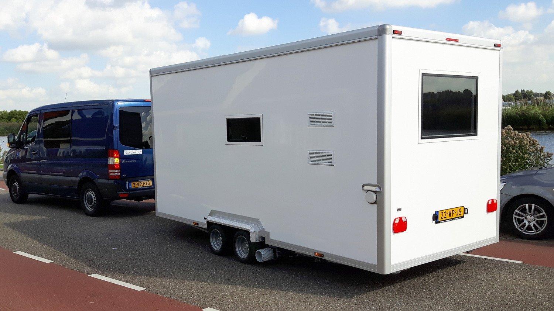 Caravan 1.jpg