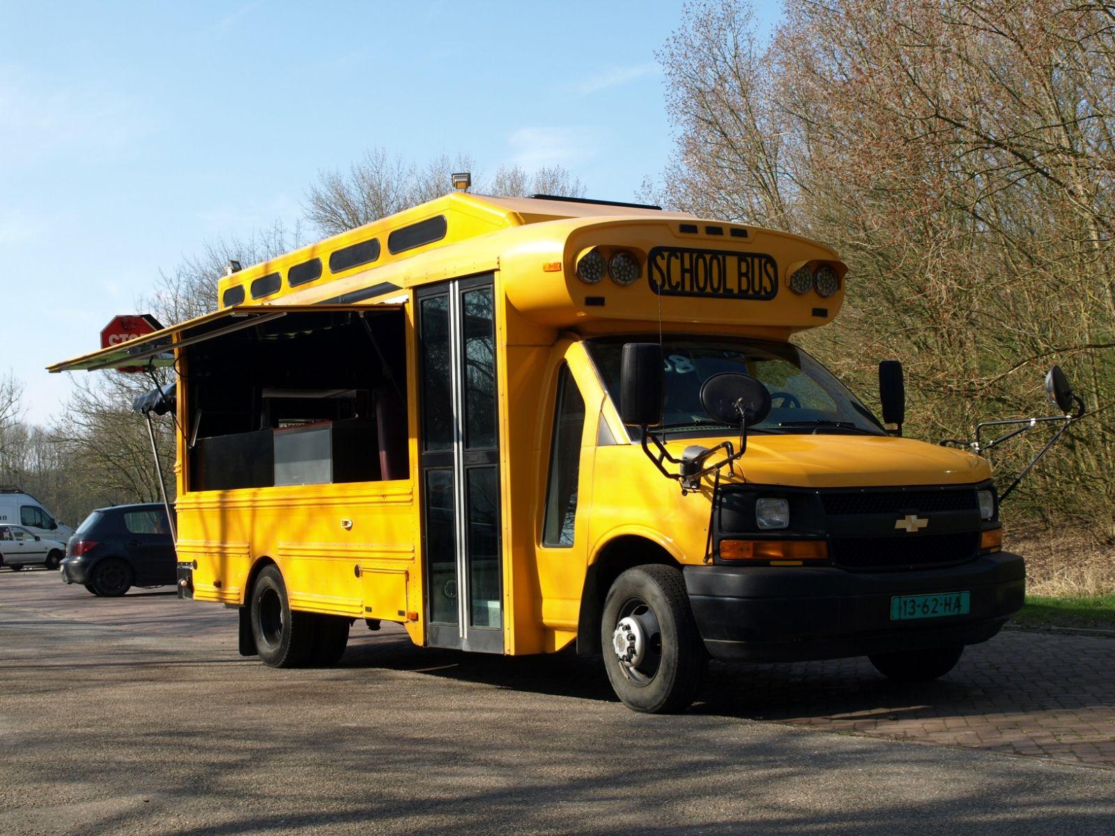 Foodtruck schoolbus af